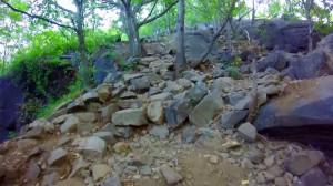 breakneck-ridge-trail-004-beginning-of-rocky-trail